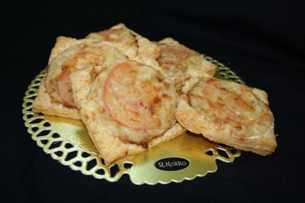 Pikkupizza tonnikala-ananas